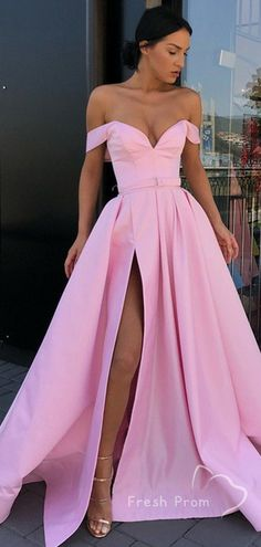 Off the Shoulder Side Slit Pink A Line Long Prom Dresses Related posts:Langes Ballkleid mit Perlen aus staubrotem Tüll und Schnürung hinten - Mode Kleider😘 2020 New Prom Dresses with Appliques and. Prom Dresses Long Pink, Prom Dresses With Pockets, Pretty Prom Dresses, Grad Dresses, Prom Party Dresses, Cheap Prom Dresses, Modest Dresses, Homecoming Dresses, Beautiful Dresses