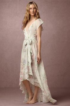 Midsummer Romance - Dreamy Bridal Robes for Getting Wedding Ready - Photos