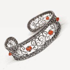 Stunning, inspiring I want to create jewellery this good.  Wioleta Hajcz-jewelry author