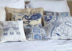 MOROCCO -blue, cross stitch pattern. Het gaat om het patroon midden voor.