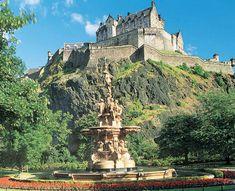 El Castillo de Edimburgo preside majestuoso                                                                                                                                                                                 Más
