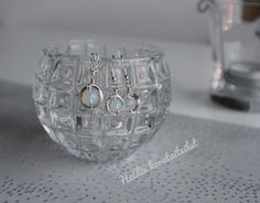 Heidin korutaiteilut: Korut hopealangasta Diy Jewelry, Engagement Rings, Crystals, Diamond, Enagement Rings, Wedding Rings, Crystal, Diamonds, Diamond Engagement Rings
