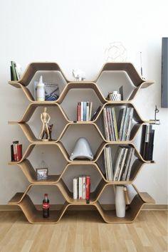 De Polygon kast is een ontwerp van Luka Stepan.