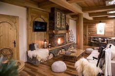 Fabrika de Case - Stilul rustic: Despre intoarcerea la simplitate / #rustic #cozy #fireplace