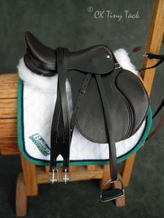 CK Tiny Tack: Saddles hard to believe that this is for a breyer! Equestrian Gifts, Equestrian Outfits, Equestrian Style, Riding Hats, Horse Riding, Riding Clothes, Horse Saddles, Horse Tack, Horse Halters