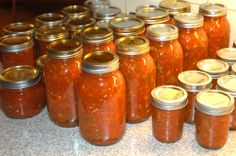 """Brenda Flann said """"The best-sounding recipe for canned salsa I've come across yet - I'm definitely going to try this one when my tomatoes and peppers start coming in! from so I thought Mark might want to try it too! Canning Salsa, Canning Pickles, Home Canning, Canning 101, Mexican Dishes, Mexican Food Recipes, New Recipes, Favorite Recipes, Canning Vegetables"""