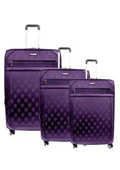That's a pretty cute suitcase set