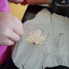 For the Love of Play has made a beautiful autumn provocation with clay and leave. Autumn Ideas, Autumn Art, Autumn Theme, Fall Preschool, Preschool Education, Reggio Emilia, Autumn Activities, Toddler Activities, Clay Activity
