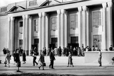 Socialist Realism, Old Photos, Street View, Architecture, Historia, Poland, Cinema Movie Theater, Old Pictures, Arquitetura