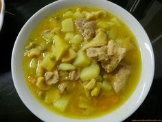 Veggie soup with beef Sancocho Colombiano, Chicharrones, Colombian Food, Spanish Food, Spanish Recipes, Puerto Ricans, Empanadas, Cheeseburger Chowder, Cooking