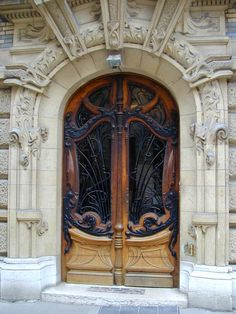 Art Nouveau door (Paris, France)