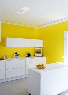 Keltainen keittiö, Vantaan Asuntomessut VILLA CHILI. asuntomessut.fi