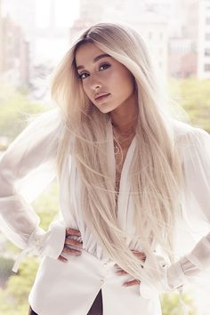 Ariana Grande ♡☽☆ Ariana grande bleached her hair for a magazine photoshoot , upcoming album and new hit single no tears left to cry year 2018 Ariana Grande Fotos, Ariana Grande Images, Ariana Grande Photoshoot, Ariana Grande Cute, Ariana Grande No Makeup, Ariana Grande Hair Color, Ariana Grande Smiling, Ariana Grande 2018, Celebrity Hairstyles