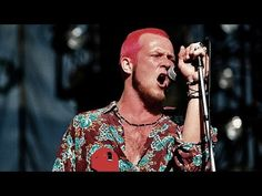 Scott Weiland of Stone Temple Pilots during KROQ Weenie Roast at Irvine Meadows in Irvine, CA, United States. Get premium, high resolution news photos at Getty Images Scott Weiland, Stone Temple Pilots, Rock N Roll, Dead Band, Velvet Revolver, Band Photos, Rap, Image, 1990s
