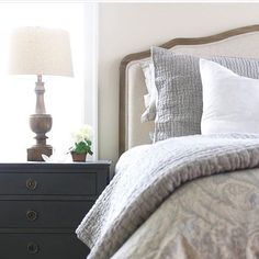 I love #moveitupmonday hosted by @smalltowngirllife it one of my favs and I am also really excited about #styled4days hosted by @taylormade611_ where they want to see your #bedrooms this week would @figandtwigs like to play? by paper.whites.decor