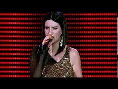 Laura Pausini - Amores Extraños (live)