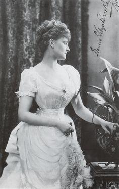 ca. 1890 Daisy, Countess pf Warwick katmax1 on LMI