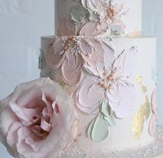 Close up details of our signature buttercream painted cakes . Flores Buttercream, Buttercream Cake, Bolo Floral, Floral Cake, Pastel Floral, Pastel Colours, Floral Flowers, Floral Wedding Cakes, Cool Wedding Cakes