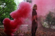 SoUrbanGirl - Smoke grenade au Jardin des Plantes / Paris