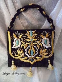 Gold Embroidery, Machine Embroidery, Embroidery Designs, Crimean Tatars, Potli Bags, Embroidered Bag, Handmade Handbags, Gold Work, Ribbon Work