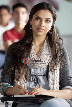 Deepika-Padukone-Hot-Love-Aaj-Kal-Movie-Hot-Images-Stills-Gallery-Pictures-Photos.jpg (558×833)