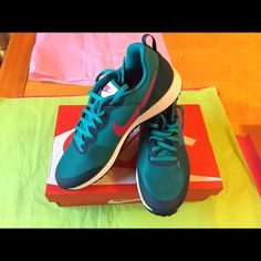 Nike Elite Shinsen Women Nike Shoes. Brand New in box. Beautiful teal color with hot pink swhoosh Nike Shoes Athletic Shoes