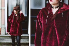 velvet hoodie leather choker winter outfit inspiration. More on fashion-utopia.com