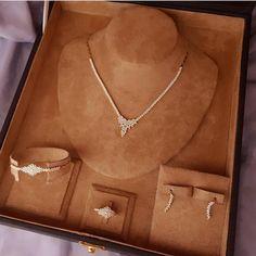 Fancy Jewellery, Gold Jewellery Design, Stylish Jewelry, Simple Jewelry, Womens Jewelry Rings, Luxury Jewelry, Fashion Jewelry, Bijoux Design, Schmuck Design