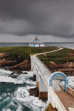 ♖Lighthouse, Ribadeo, Galicia, Spain photo by Roberto Graña Beacon Of Light, Light Of The World, Spain And Portugal, Lighthouse, Beautiful Places, Scenery, Places To Visit, Around The Worlds, Ocean