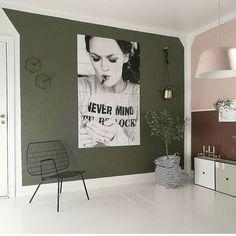 Changes ✨ Ble visst litt mer enn bare en grønn vegg   #jotunlady #nordiskehjem #myhome #interiors #interiordetails #scandinaviandesign #interior2you #interior4you #interior4all #livingroom #kk_living #boligpluss #boligplussminstil #interiorforyou #homeinspo #homeinterior #interior_magasinet