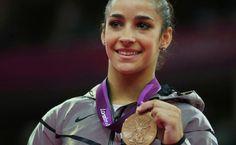 La gimnasta judeo-americana Aly Raisman gana medalla de oro en prueba de suelo - http://diariojudio.com/noticias/la-gimnasta-judeo-americana-aly-raisman-gana-medalla-de-oro-en-prueba-de-suelo/204603/