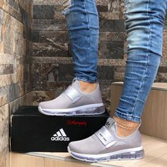 70 Spring Sneakers Shoes For Ending Your Winter Moda Sneakers, Cute Sneakers, Shoes Sneakers, Hot Shoes, Crazy Shoes, Me Too Shoes, Sneakers Fashion, Fashion Shoes, Adidas Fashion
