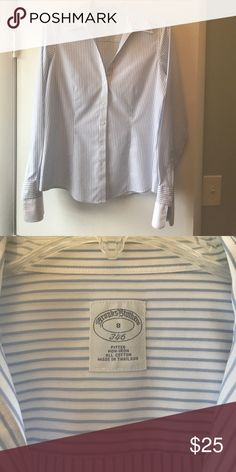 """💗Brooks brothers non iron Oxford Worn once.  Super flattering, just don't need oxfords anymore for work.  Non iron, which is so convenient!  True to size.   20"""" at the bust, sleeves 24"""" to cuff. Brooks Brothers Tops Button Down Shirts"""