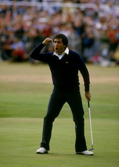 Jul 1984: Seve Ballesteros of Spain holes out on the final green to win the British Open at St Andrews in Scotland. Credit: David Cannon /Allsport