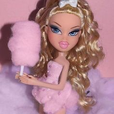 Dolls buildings, everything from old-fashioned wood holds to effectively Barbie Dreamhouses. Bratz Doll Makeup, Bratz Doll Outfits, Barbie Clothes, Makeup Black, Black Bratz Doll, Brat Doll, Bratz Girls, Bedroom Wall Collage, Pink Photo