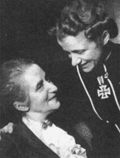 Hanna Reitsch with her mother April 6, 1941