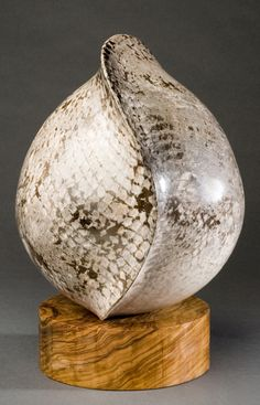 2012 Gallery Hatfield - Art in Clay. Deana Lee.