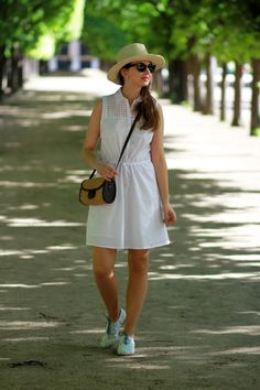 Perfect outfit for a stroll in spring
