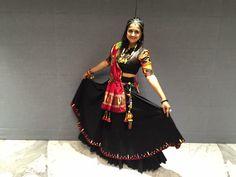 Garba Dress, Navratri Dress, Choli Designs, Blouse Designs, Pink Prom Dresses, Summer Dresses, Ghagra Choli, Traditional Looks, Cute Outfits