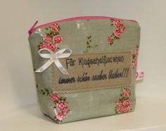 Kosmetiktasche für Feuchttücher *Klugscheißercher* von byGretchen auf DaWanda.com