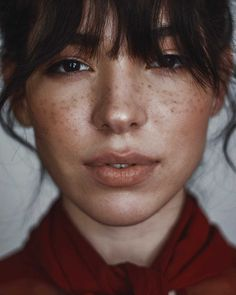 Beautiful Woman Portrait Freckles / Photography by Gabriel Alejandro Gomez Herrera