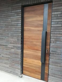 Modern Entrance Door, Modern Entryway, House Entrance, Entrance Doors, Narrow Entryway, Garage Doors, Front Door Design, Entrance Design, Front Door Decor