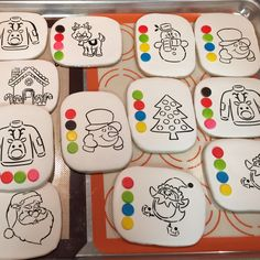 Paint your own Christmas cookies Christmas Biscuits, Christmas Sugar Cookies, Holiday Cookies, Christmas Desserts, Christmas Baking, Cute Cookies, Cupcake Cookies, Christmas Themed Cake, Cookie Designs