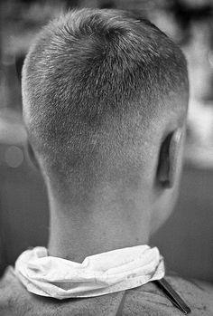1994 May, Toronto, Trevor at Aristotelis Photo by Elmslie Cool Haircuts, Hairstyles Haircuts, Haircuts For Men, Fade Haircut, Pixie Haircut, Vintage Mens Haircuts, Classic Haircut, Fine Hair, Barber Shop