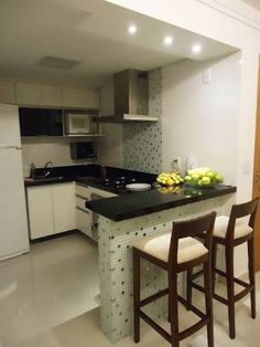 Small kitchen design and ideas for your small house or apartment, stylish and efficient. Modern kitchen ideas - with island and storage organization Minimalist Kitchen, Minimalist Decor, Minimalist Bedroom, Minimalist Living, Modern Minimalist, Apartment Kitchen, Kitchen Interior, Apartment Layout, Home Design