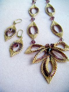 Beautiful jewelry Inspired by Diane Fitzgerald beaded by Sharon A. Kyser - instructions by @divaonline1