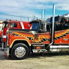 — International 4300 Eagle custom