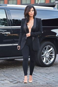 Kim Kardashian's Most Stylish Looks Ever - June 2014 - Kim Kardashian Style Look Kim Kardashian, Robert Kardashian, Kardashian Jenner, Kylie Jenner, Kardashian Fashion, Kim Kardashian Figure, Kim Kardashian Blazer, Kardashian Photos, Kim K Style