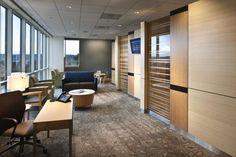 Outside the rooms, a family lounge encourages a patient's loved ones to stay close. Photo credit: Michael Mathers.