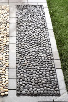 These are MATS! Who would have known! Texture for a small back yard- could make this.